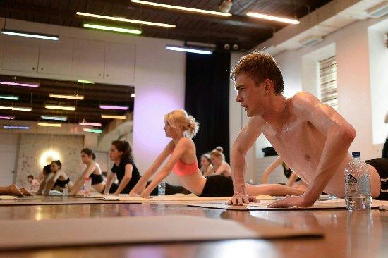 Hot Yoga 36