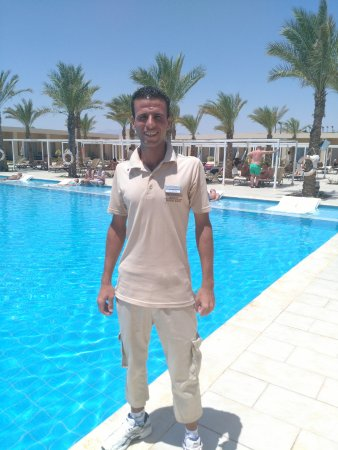 Steigenberger Makadi Hotel: C/Yahia at the pool who will help you each day, he keeps the pool area spotlessly clean.