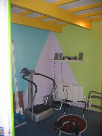 Nueil-les-Aubiers, Fransa: salle de gym