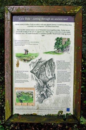 Castleton, UK: Cave Dale Notice