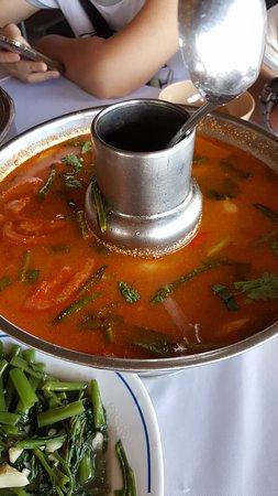 Sirada Restaurant: Tom yum gung