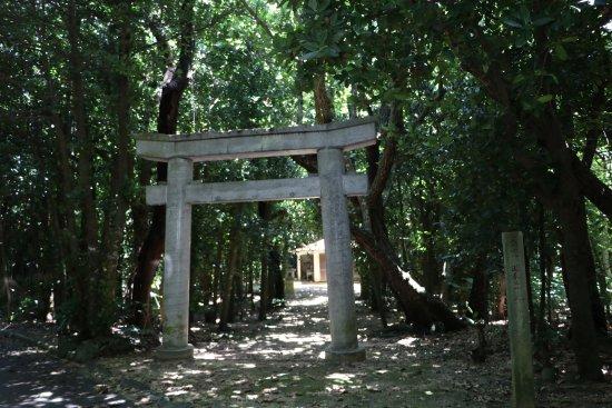 Tarama-son, Japonia: 奥が泊御嶽