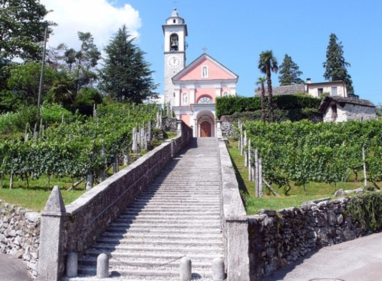 Maggia - Eglise San Maurizio avec escalier monumental