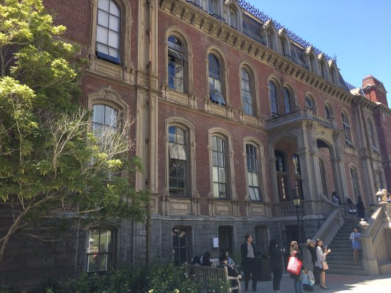 University of California, Berkeley: 古董級的建築