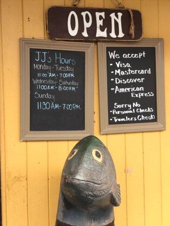 J J's Fishhouse: photo9.jpg