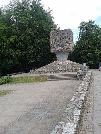 Brodnica Gorna, بولندا: Pomnik