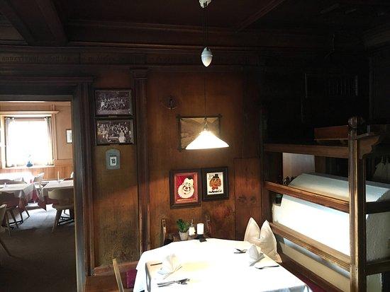 Santa Valburga, Italia: Einzigartig die Gasträume aus dem 17. und 18. Jahrhundert.