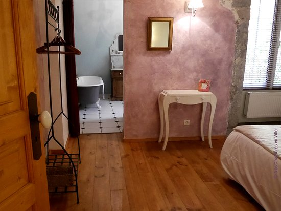 Nos chambres en ville updated 2017 prices b b reviews for Chambre commune