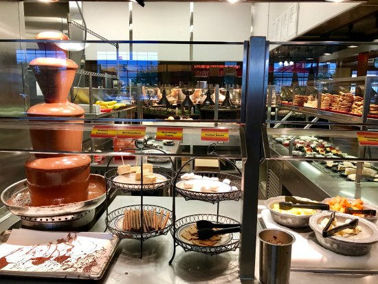 Wood Grill Buffet: The dessert highlight is the chocolate fountain (left), with a selection of fruits and pastries