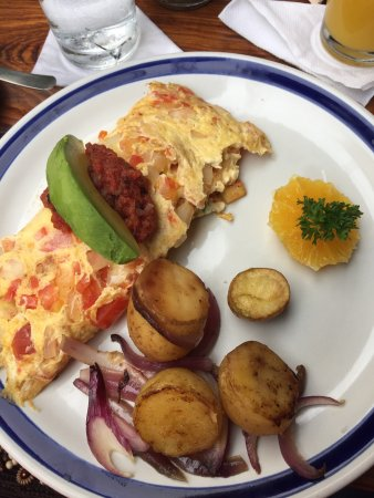Maria's: Picturesque restaurant, perfect for a leisurely breakfast! Great service, great coffee and my Me