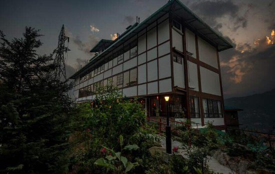 Hotel 100 petals gangtok sikkim specialty hotel for Specialty hotels