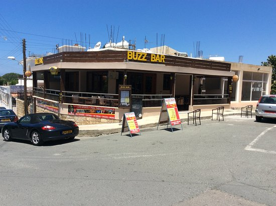 Buzz Bar (formerly George and Dragon): The Buzz Bar