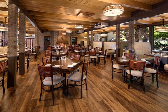 The Steakhouse at Paso Robles Inn dining area