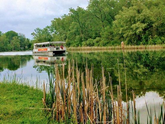 Genebra, Nova York: The new Tour Boat!