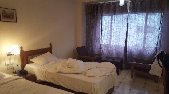 Hotel Anand Regency: 20170615_100613_large.jpg