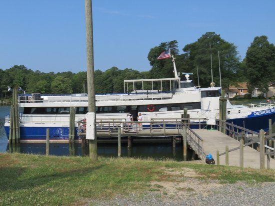 Chesapeake Breeze docked at Reedville VA