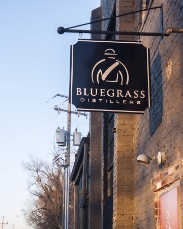 ‪Bluegrass Distillers‬