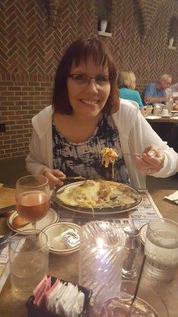 Oshkosh, WI: Fettuccine A La Roxy - Mmmmmm!