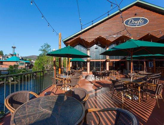 Drafts sports bar grill gatlinburg restaurant reviews for Dining near gatlinburg tn