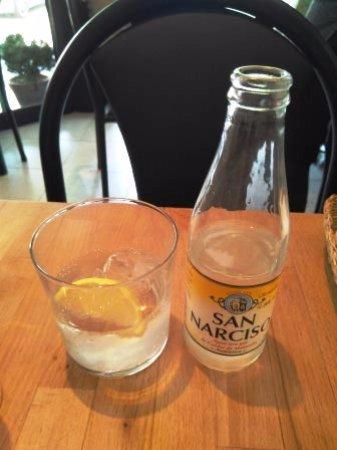 Sant Fruitos de Bages, Spanien: Agua con gas