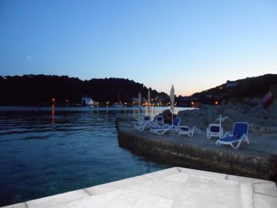 Sudurad, Kroatien: Bozica sea front area at dusk