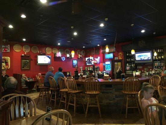 BJ's Steakhouse: Bar