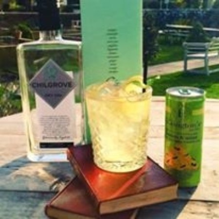 Wisborough Green, UK: Local Gins