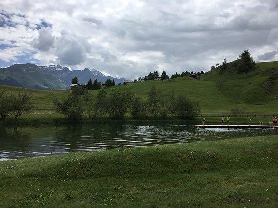 Lumnezia, Switzerland: Toller Badesee, mit kleinem Restaurant. Sehr empfehlenswert!!!