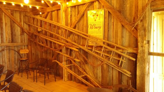 Magnetic Hill Winery : Cool artifacts within barn