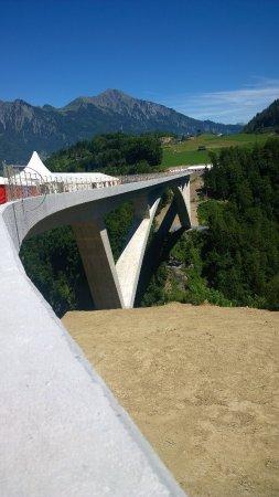 Pfaefers Dorf, Switzerland: Ponte slanciato