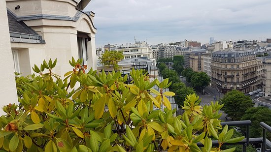 Prince de Galles, a Luxury Collection Hotel: North view the Champs Elysees