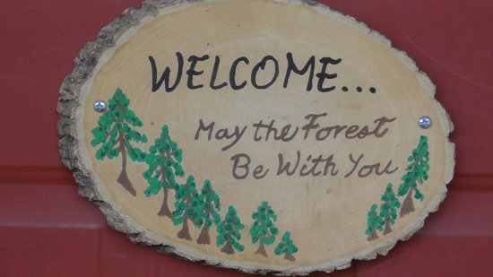 Pinos Altos Cabins : Sign on the front door.