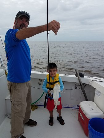 Dominator fishing charters biloxi aktuelle 2018 for Biloxi fishing charters