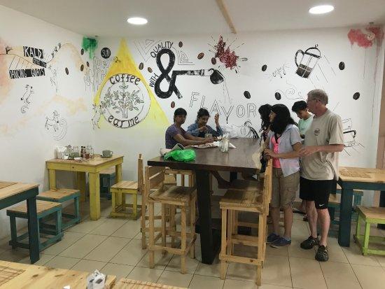 Kaldi Coffee Bar & Bistro: Creative decor.