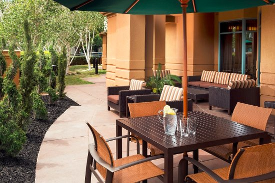 Pleasant Hill, CA: Outdoor space