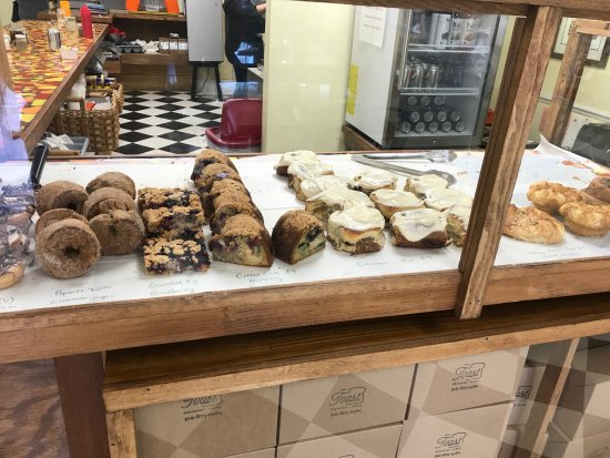 Canastota, NY: Pastry Case at The Toast