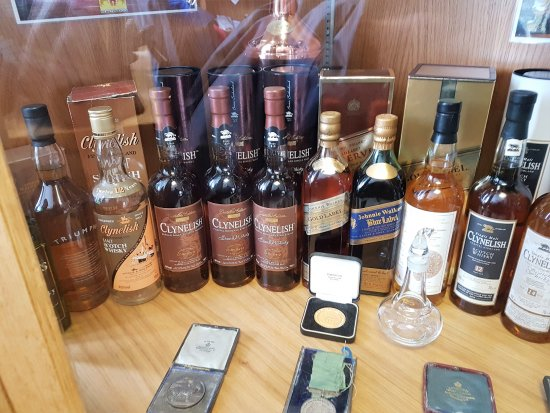 Brora, UK: some other Bottles that are part of the Distillery