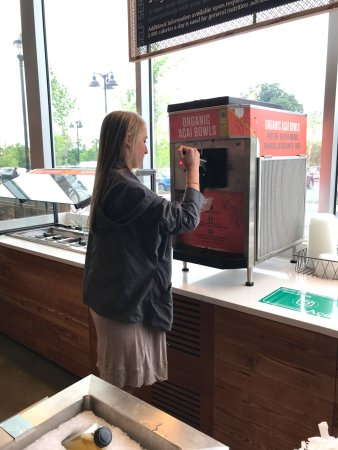 Riverdale Park, Μέριλαντ: Self Serve... SO FUN... wish other Whole Foods had them!