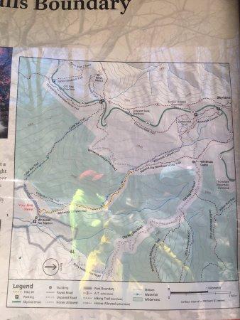 Syria, فيرجينيا: 8 mi loop - White oak canyon trail -> Crescent Rock Trail -> Cedar Run Trail