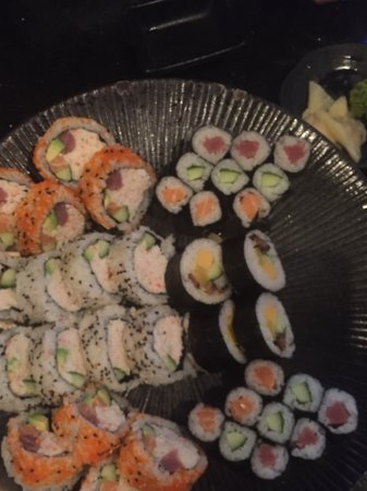 Sherwood Park, Καναδάς: We could hardly eat it all ( platter for two)!!