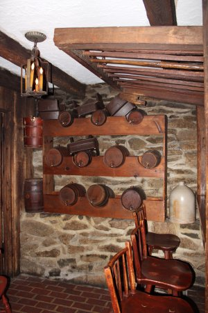 Dobbin House Tavern: Barrels on the wall