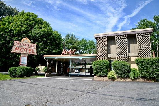 Sunset Motel Photo