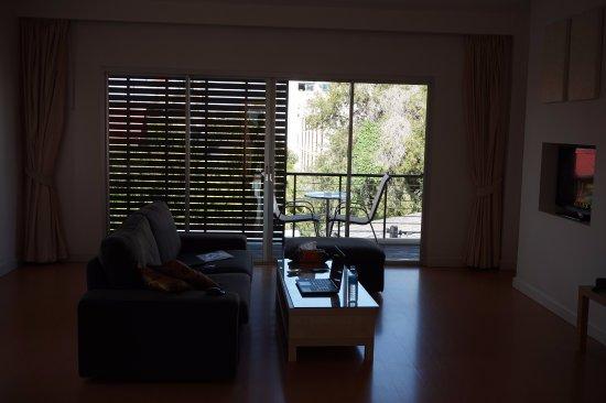 Studio 99 Serviced Apartments: Living room.
