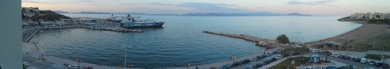Rafina, Greece: don't miss setting on the balcony to see the sun rise and sunset