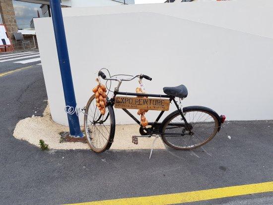 Sibiril, France: le vélo pub