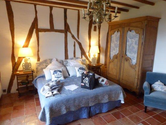 Cuq en Terrasses: The Lauragais Room