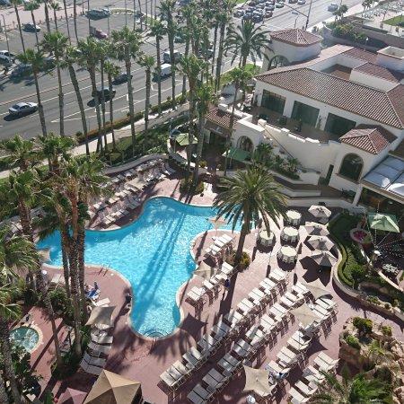 The Waterfront Beach Resort, A Hilton Hotel: IMG_20170614_211031_186_large.jpg