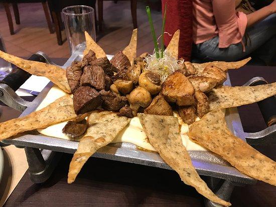 Talcahuano, Chile: Durango Restaurant connected to the Sonesta Resort