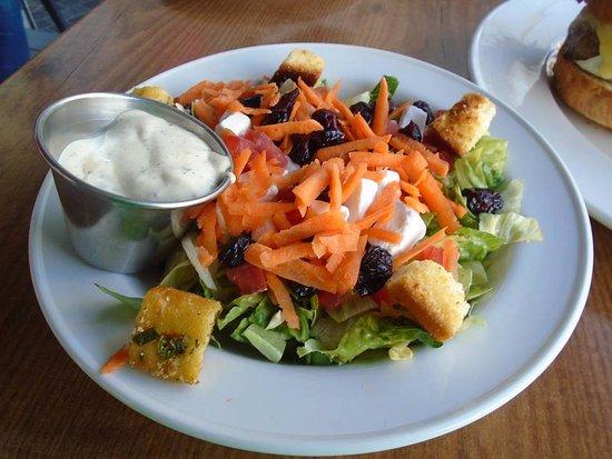 Hard Rock Cafe Warsaw: Allegedly a 'Caesar Salad' ....