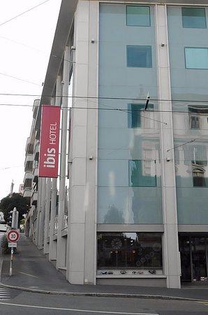 ibis Lausanne Centre Photo